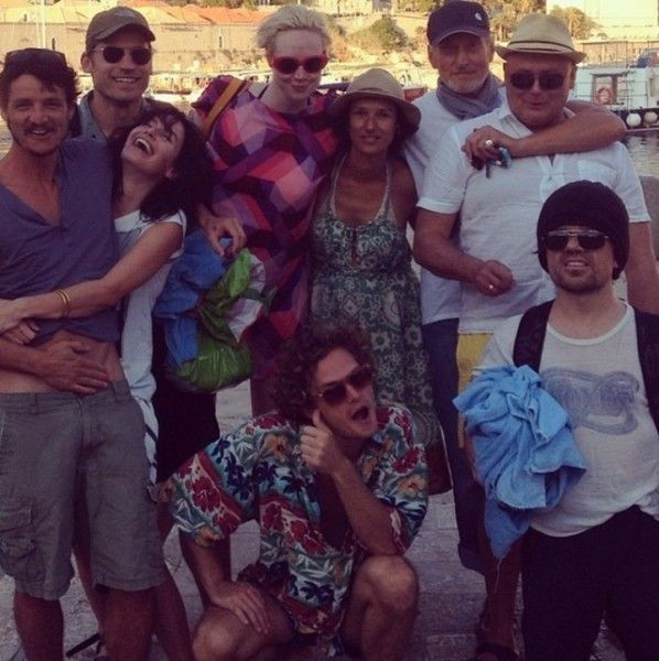 "Der Cast von ""Game of Thrones"" am Strand #got #gameofthrones  From right to left: Pedro Pascal (Oberyn Martell), Lena Headey (Cersei Lannister), Nikolaj Coster-Waldau (Jaime Lannister), Gwendoline Christie (Brienne of Tarth), Indira Varma (Ellaria Sand), Finn Jones (Loras Tyrell), Charles Dance (Tywin Lannister), Conleth Hill (Varys), and Peter Dinklage (Tyrion Lannister)"
