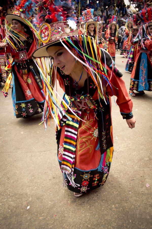 """El """"Tinku"""" es una danza folklórica del departamento de Potosí, Bolivia"""