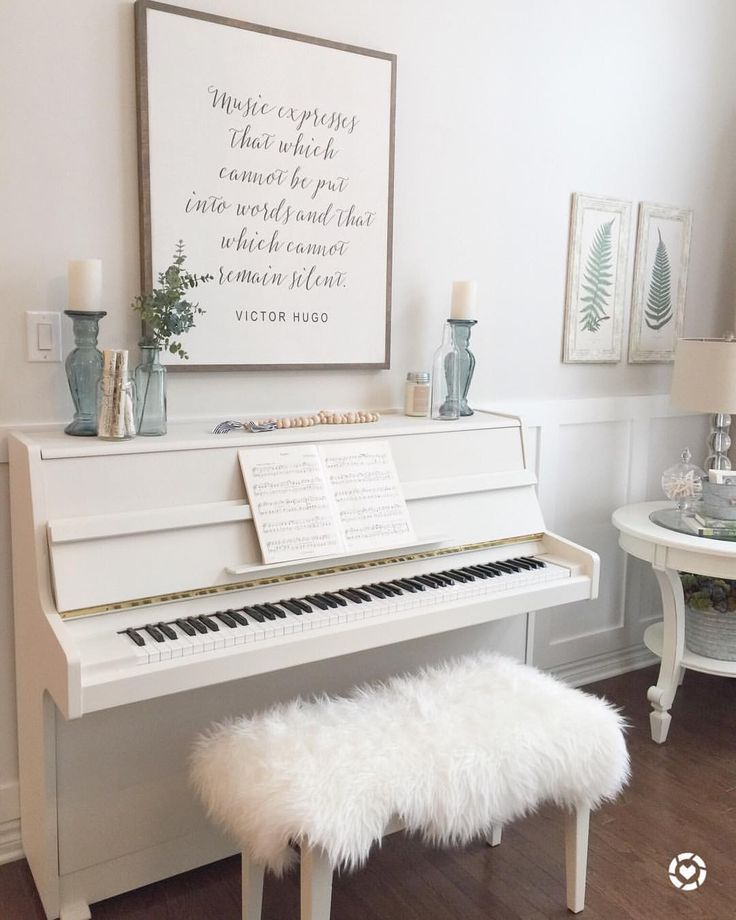 "623 Likes, 112 Comments - Shawna (@willowbloomhome) on Instagram: ""Here she is! I'm so happy I decided to paint my piano. Just changing this one thing has made a…"""