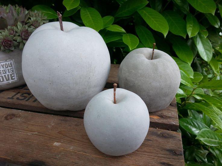 Apfel aus Beton in verschiedenen Größen von Feinbeton auf DaWanda.com