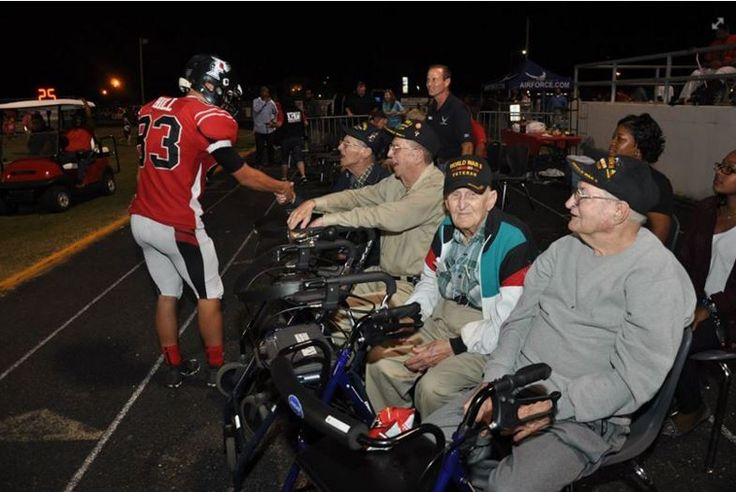 WOW! High School Football Game Stopped Because US student Wanted To Thank World War Two Veterans - https://www.warhistoryonline.com/war-articles/us-student-gives-thanks-world-war-twoveterans.html