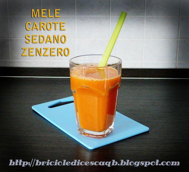 * 2 mele (preferisco le pink lady) * 2 o 3 carote grandi * 1 costa di sedano * un bel pezzetto di zenzero (che adoro °_° )