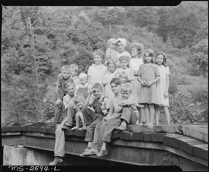 Coal camp children. Dixie Darby Fuel Company, Marne Mine, Lejunior, Harlan County, Kentucky.