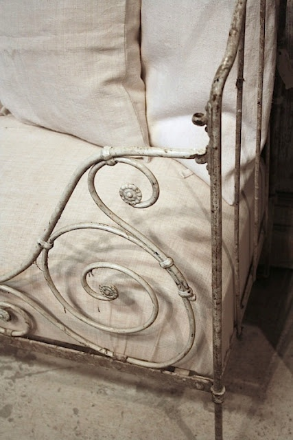 antique white iron bed