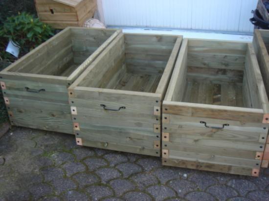 fabrication et vente de jardini res et bacs fleurs en bois trait autoclave sur mesure pour. Black Bedroom Furniture Sets. Home Design Ideas