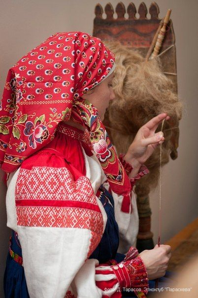 traditional Russian folk costume Клуб ПАРАСКЕВА: ткачество, традиционный костюм