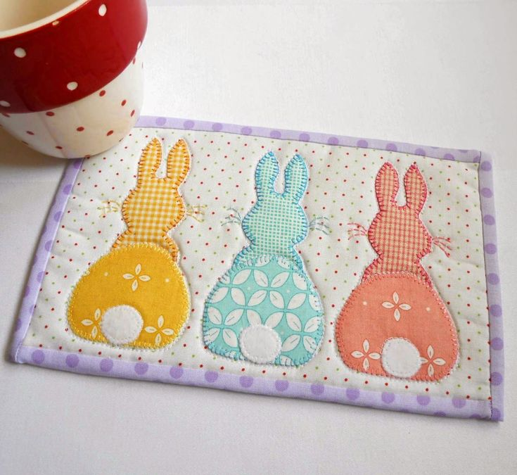 Free&Easy Mug Rug Patterns | Bunny Hop Mug Rug - Three Designs in One Pattern