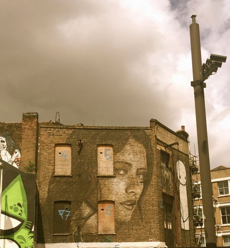Stik Graffiti Artist on the side in London Shoreditch again :)