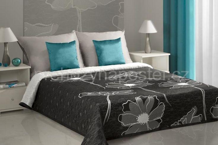 Černo šedý přehoz na postel oboustranný s květinami