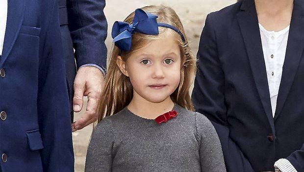 30 DEJLIGE BILLEDER: Bedårende prinsesser med hårsløjfer   BILLED-BLADET