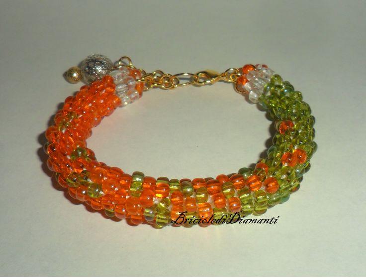 Braccialetto crochet bicolore - Beads crochet : Braccialetti di briciole-di-diamanti