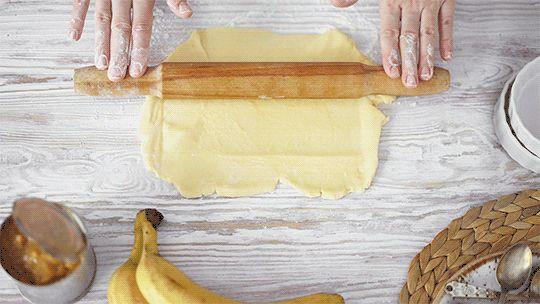 mini banana tarts / cinemagraphs on Behance
