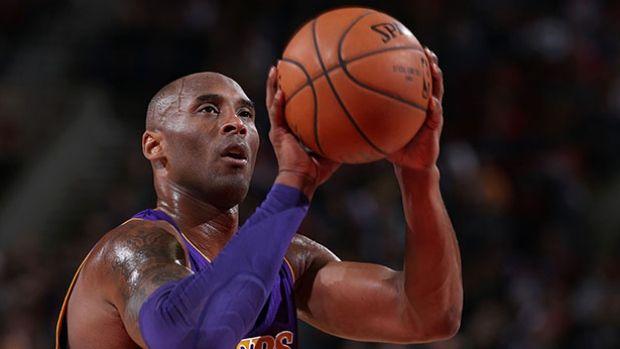 Kobe Bryant || Image Source: http://i.cbc.ca/1.3342872.1448845360!/fileImage/httpImage/image.jpg_gen/derivatives/16x9_620/bryant-kone-151128.jpg