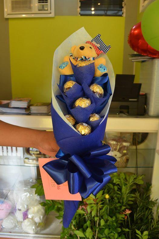 7pc Blue-Theme Ferrero Bouquet #bouquetofchocolates #chocolatebouquet #ferrerobouquet #gift #giftdelivery #giftshop #fgdavao #davao