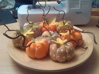 Basteldeern: Kürbisse , es ist Herbstzeit :)     Eine Menge Anl...