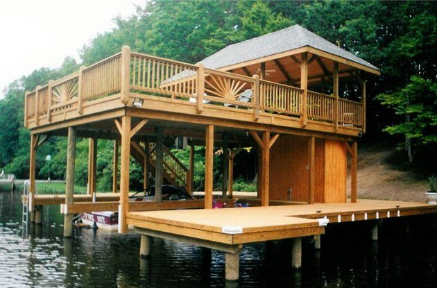 Lake George Effort To Reduce Permit Violations - - The Adirondack Almanack in 2020 | House boat, Dock house, Boathouse design