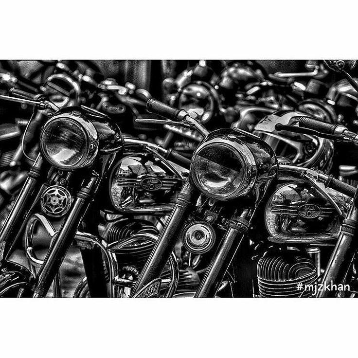 Jawa Love   Photo courtesy of @mjzkhan  More photos on - http://ift.tt/1MOOLiU (Link in Profile) | #jawa | #jawamotorcycles.com | #idealjawa| #2stroke | #chrome | #Cz | #biker | #motorcycles | #imtheindianbiker | #yezdi | #yjoci | #retro | #czech | #vintage | #vintagestyle |#india | #motorbike | #caferacer | #bikeporn | #instamotogallery | #dirt | #bike | #picoftheday | #gopro | #motocross | #motorcycleyard |
