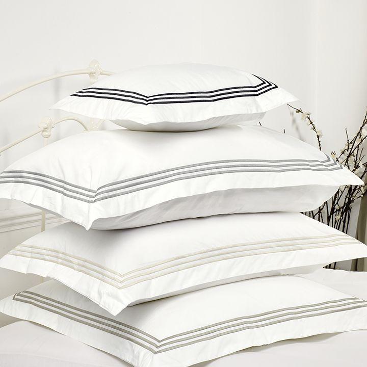 100 best linge de lit images on pinterest bed linens bed sheets and bedding. Black Bedroom Furniture Sets. Home Design Ideas