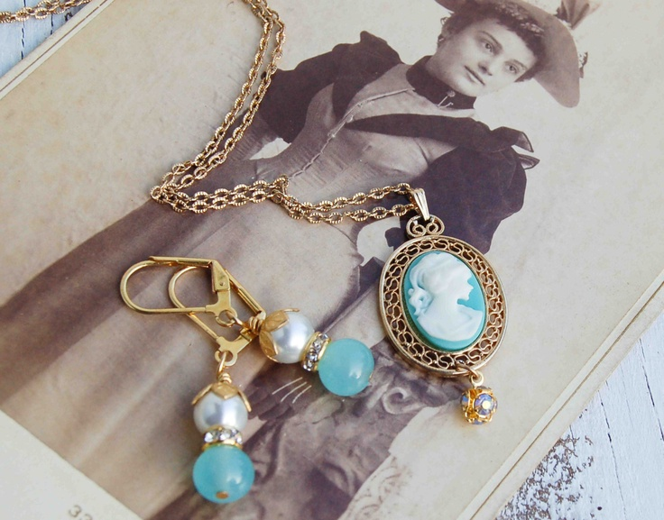 Aqua Blue CAMEO Necklace & earrings