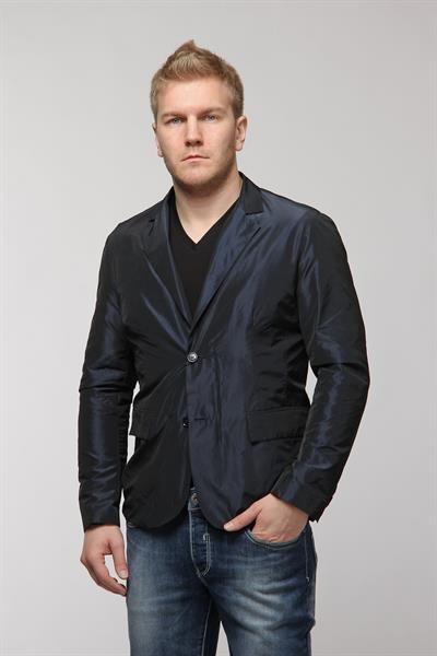 Пиджак под джинсами