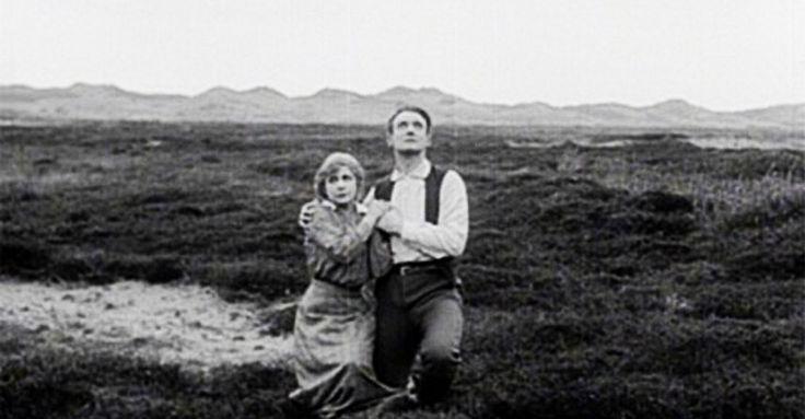 13 мая в Белом зале киностудии пройдет ставший традиционным киноконцерт. Продолжая исследовать классику немого кино, мы покажем легендарный немой фильм-катастрофу «Конец света» (Verdens Undergang) Августа Блома снятый в Дании в 1916 году.