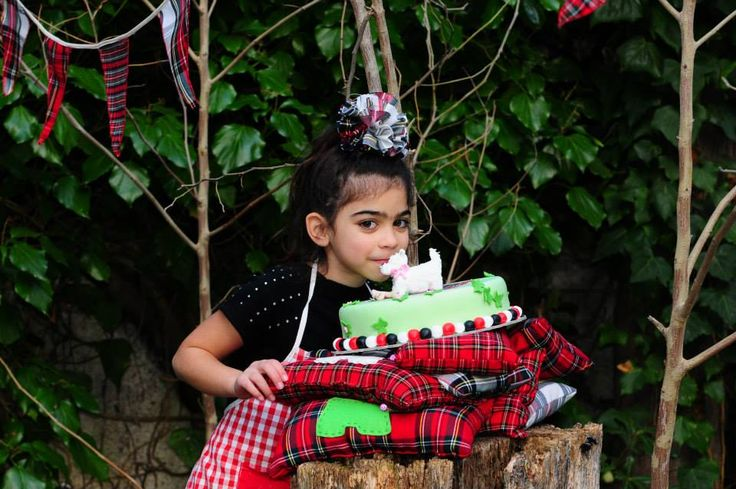 Scottie's Stories https://www.facebook.com/Scottiesstories It was early in 2012 and at Meliti we were thinking of Aggelikoula's 2nd birthday party, when the idea for the party's theme dawn on us: Scottish Terrier!