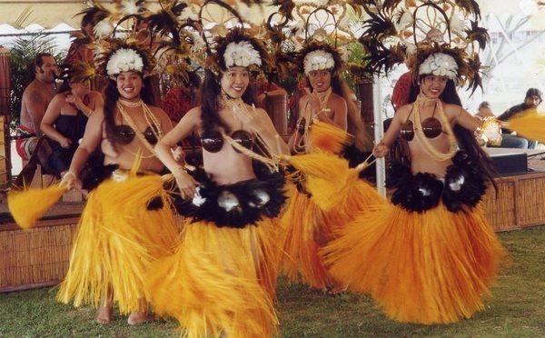 Костюмы для гавайских танцев