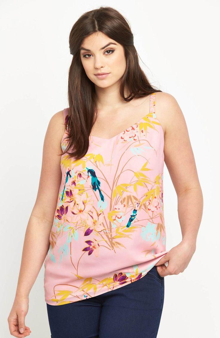 Bluzka z modnym nadrukiem marki So Fabulous, 179 zł na http://www.halens.pl/moda-damska-na-gore-bluzki-caa-kolekcja-17978/bluzka-577312?imageId=402029&variantId=577312-0411