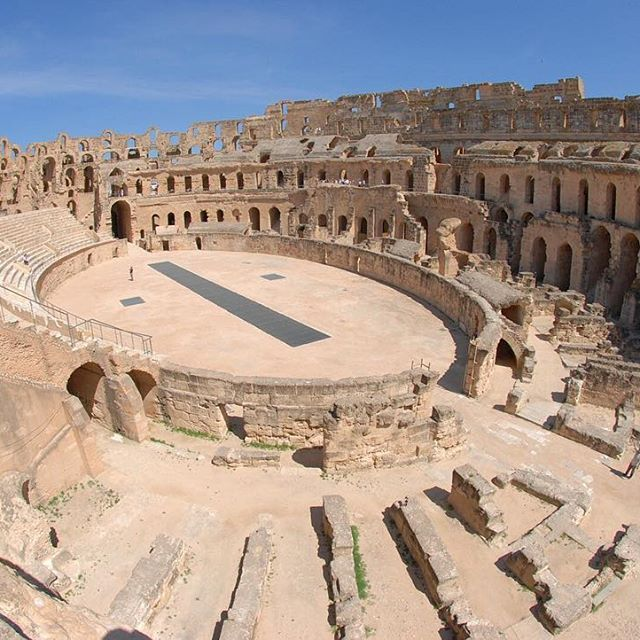 The Amphitheatre of El Jem aka Thysdrus is located in El-Mahdia, Tunisia. It was built during the 3rd century, is North Africa's largest amphitheatre, and the largest one built outside of Italy, with a capacity of 35,000 spectators. . . . . . . #ChildrenOfTheDarkContinent #ElJem #Thysdrus #Tunisia #ElMahdia #RomanEmpire #Ancient #Kingdom #Africa #African #Architecture #AncientCivilization #History #Greatness #AfricanHistory #TIA #Afrique  #ExploreAfrica #Unesco #NatGeo #Adventure #Igers…