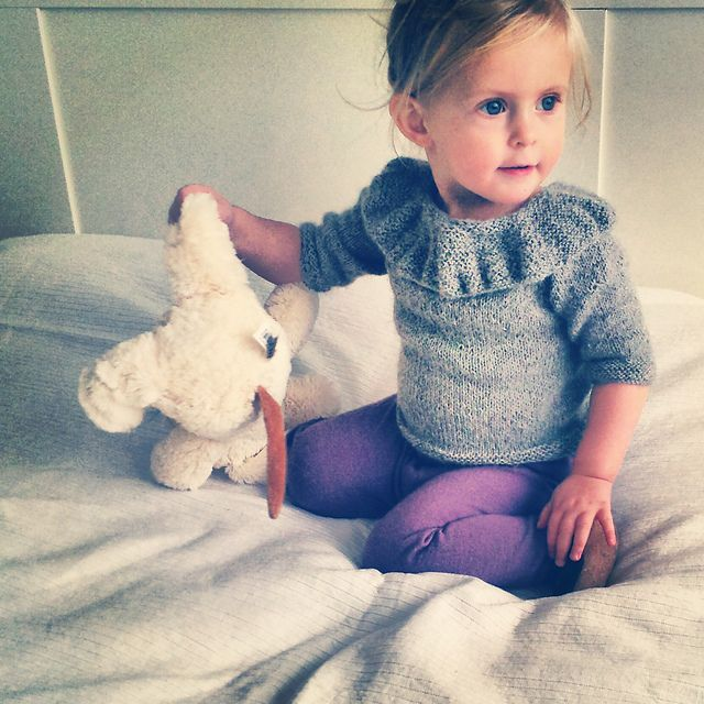 Ravelry: Lones lille genser pattern by Siri Hoftun