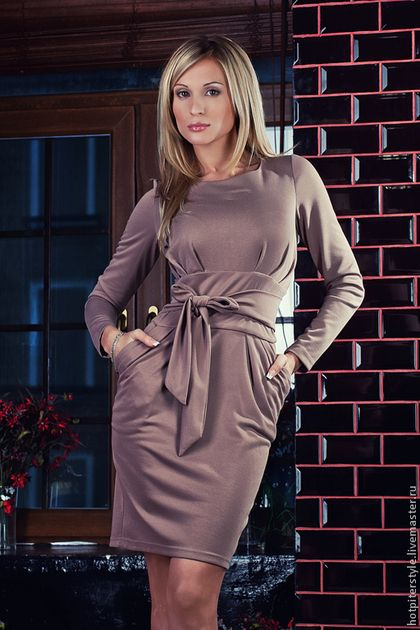 Платье футляр - бежевый,однотонный,деловое платье,силуэт,Коктейльное платье