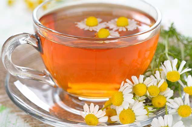 10 Infusiones relajantes para combatir el estrés | Te de manzanilla  beneficios, Herbología y Infusiones