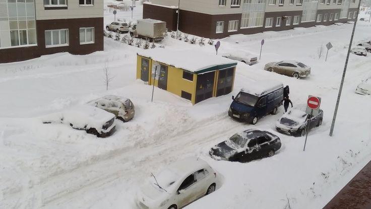 Вы ждали снега, вы его дождались))) Москву замело.