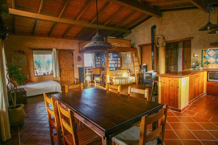 Échale un vistazo a este increíble alojamiento de Airbnb: Casa el campo en Lajares