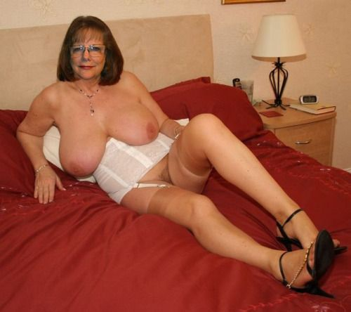 Old Mature Woman With X Large Tits 21