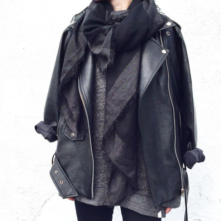 Black layers. Street Style. - OVRSLO: