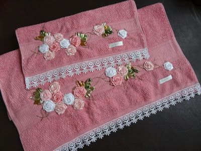 LOY HANDCRAFTS, TOWELS EMBROYDERED WITH SATIN RIBBON ROSES: CONJUNTO DE TOALHAS - BANHO E ROSTO