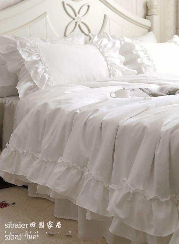 romantische witte Falbala ruches kant beddengoed sets/prinses dekbedovertrek set, effen kleur trooster sets, twee volledige koningin koning in materiaal: 100% katoenmetingtwin size: 3pcs( 1.2m bed)1 dekbedovertrek: 160*210cm----------------- 62.99*82.67 inch1 bed van Bedding Sets op AliExpress.com   Alibaba Groep