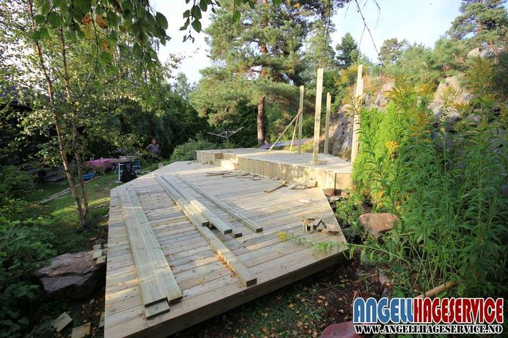 Terrasse bygges i impregnert furu dag 3