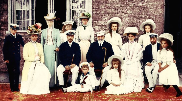 Russian Imperial and English Royal families (colourised).A♥W