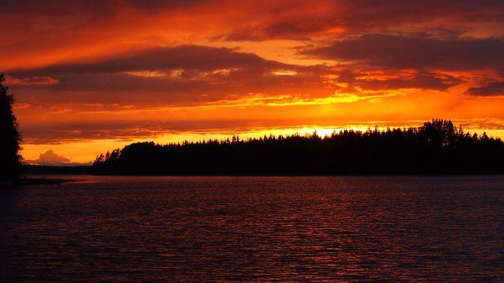 @EarthPix  #sunset #amazingtravel #Orange #Lake #summer