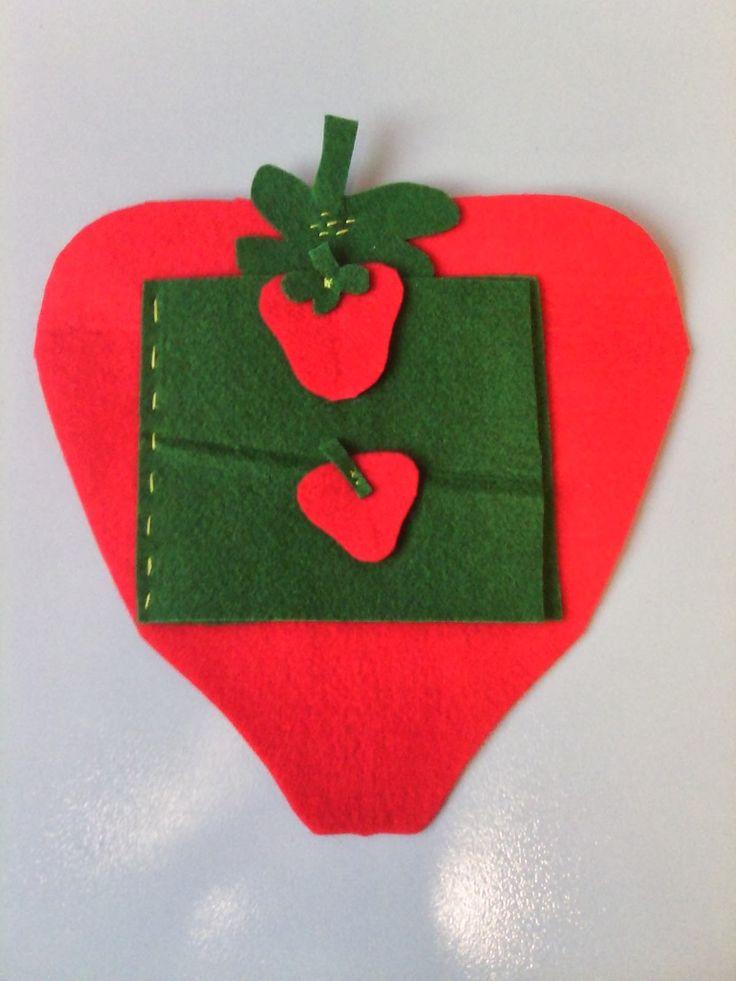 OTINANAI: Χειροποίητο προσκλητήριο Φράουλα !!!
