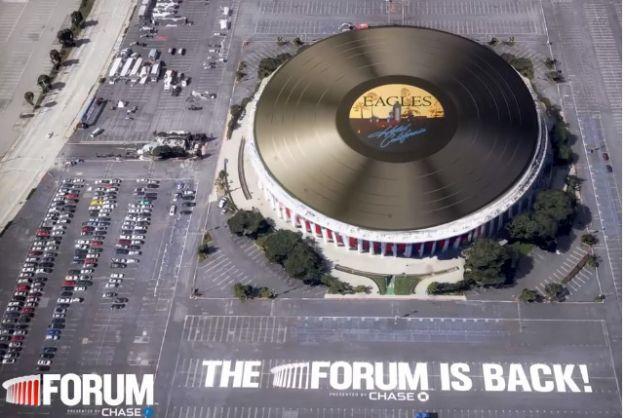 Enormous Vinyl Record Spins Atop Concert Venue - PSFK