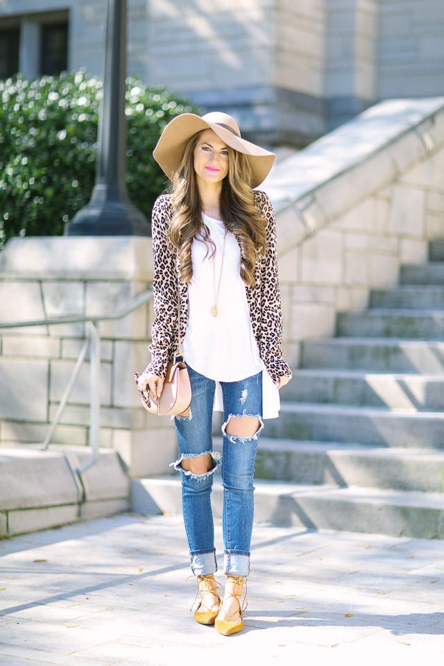 Cute Spring Outfit With Leopard Cardigan And Floppy Hat