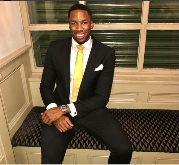 Girls Drool Over Handsome 24-year-old Nigerian Doctor After He Appeared on BBC TV Series (Photos) http://ift.tt/2zwAmxh