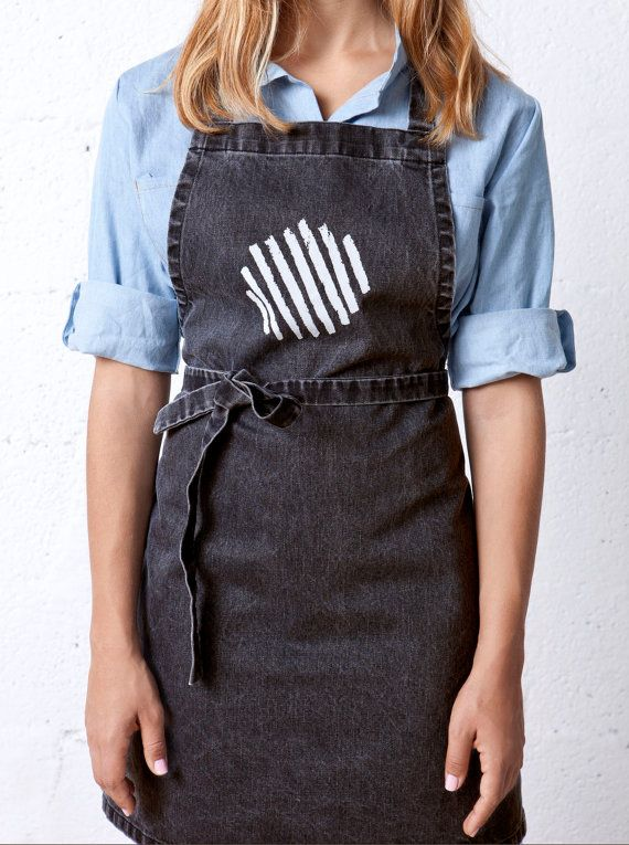 Swift stone washed denim apron for men and women  Screen printed by the hands of Swift designers Washed dark grey apron with a light gray print Material: 100% cotton  Length: 74cm Width: 64cm Langth of each strap: 80cm Head loop: 50cm  Check out the matching teal towels: www.etsy.com/listing/194677673 Or go back to the shop: www.etsy.com/shop/Swiftextiles