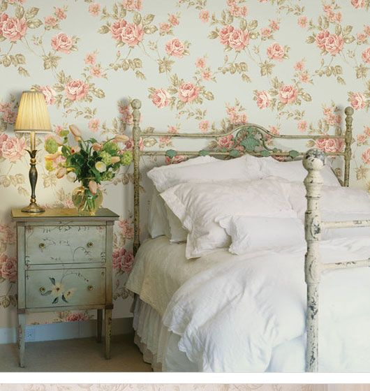20 captivating bedrooms with floral wallpaper designs romantic country bedrooms decoration - Country Decorating Ideas For Bedrooms