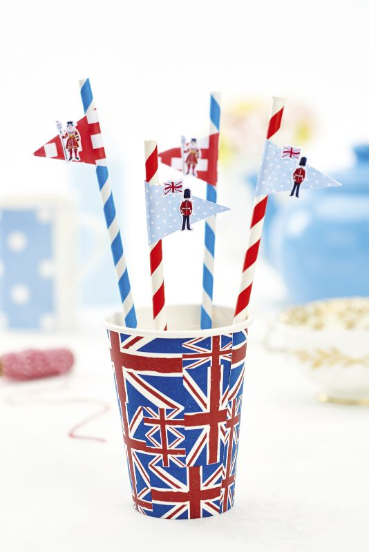 Free royal papers from PaperCrafter magazine party ideas for using the papers. UK GB Queen Elizabeth II Street Party