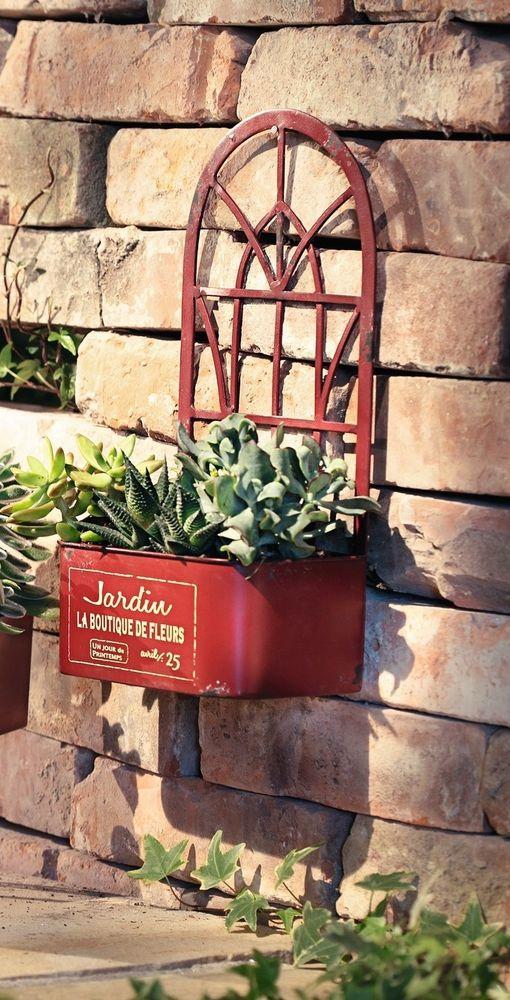 Die besten 25 garten wandpflanzer ideen auf pinterest nat rlich gerahmte kunst pflanzenwand - Vertikale wandbepflanzung ...