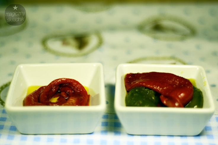Roasted peppers marinated in olive / Pieczona papryka marnowana w oliwie. Recipe > http://magicznyskladnik.pl/2013/09/pieczona-papryka-marynowana-w-oliwie/